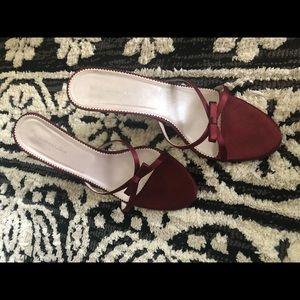 bcbgmaxazria maroon bow strappy heel/kitten heel